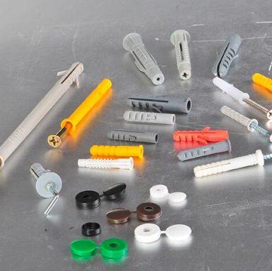 Fabricație de șuruburi de perete cu șuruburi
