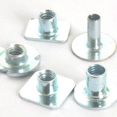 Piuliță de sudare plată din oțel carbon zincat